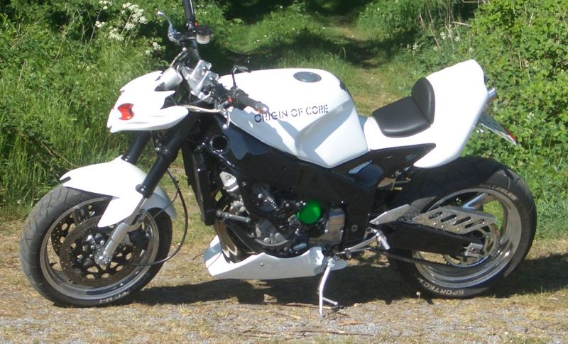 B001gsy0a6 besides Fzr 1000 1995 in addition Some Of Fastest Bikes In World moreover Yamaha FZR1000 1992 likewise Watch. on yamaha fzr1000