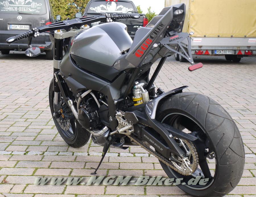 Custom Streetfighter R1